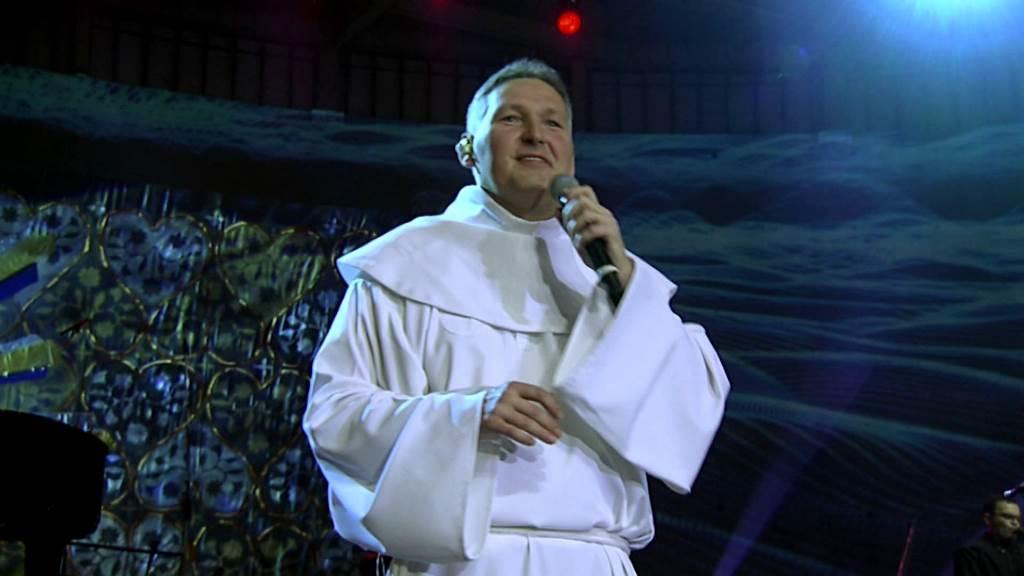 Padre Marcelo Rossi participa de sessão de autógrafos em Natal nesta terça