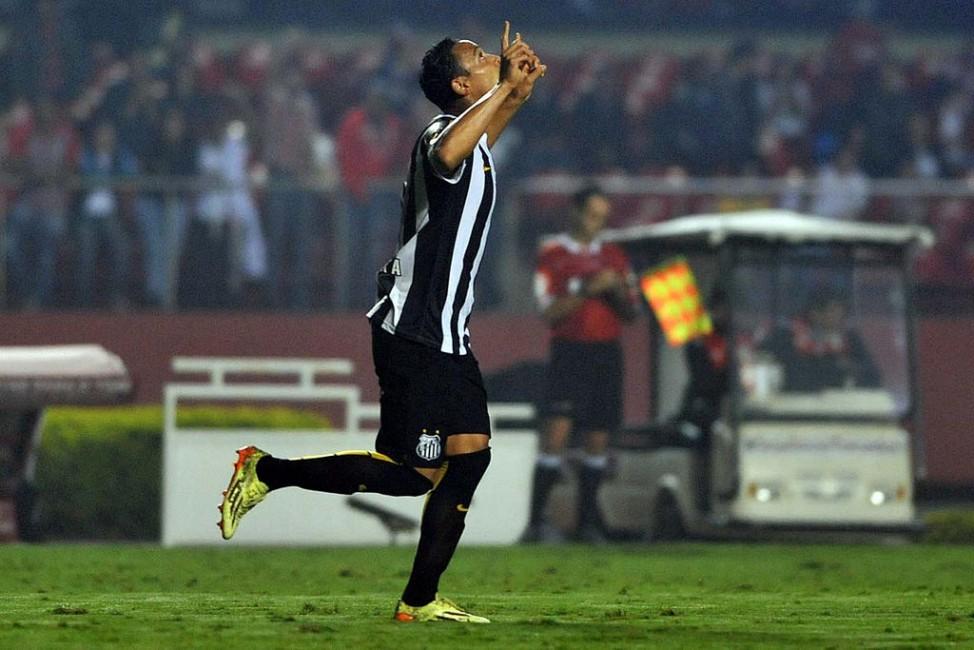 Santos vence o São Paulo e tem vantagem no jogo da volta na Copa do Brasil