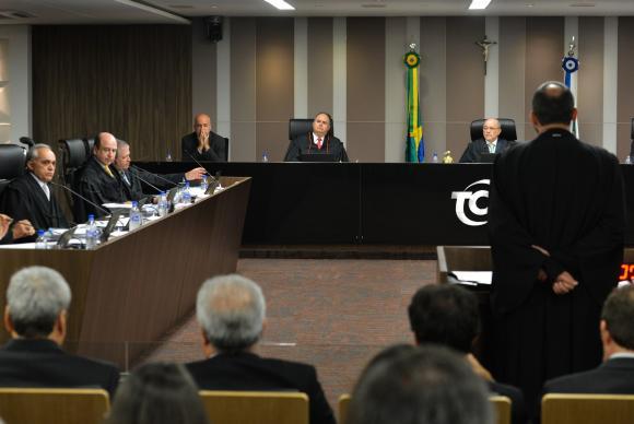 Por unanimidade, TCU rejeita as contas de 2014 do governo Dilma