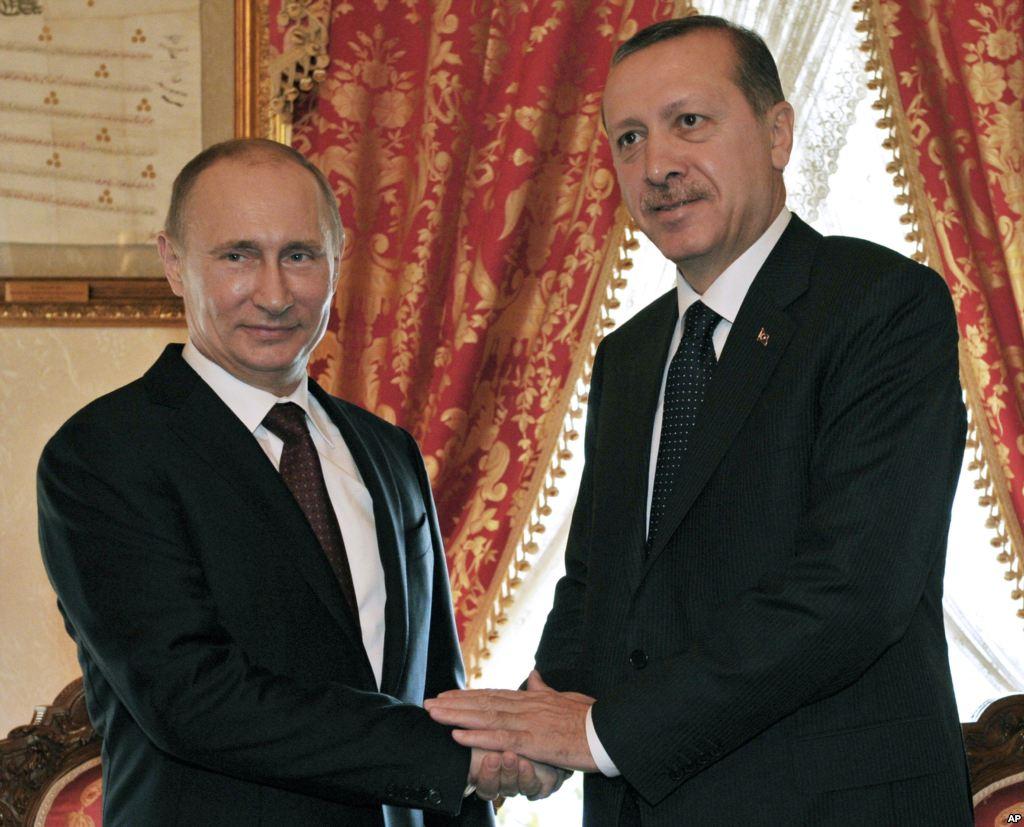 Presidente da Turquia diz para Rússia 'não brincar com fogo'