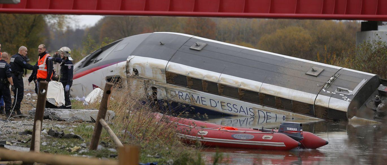 Acidente com trem provoca dez mortes no nordeste da França