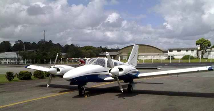 FAB força pouso de aeronave suspeita de tráfico de drogas