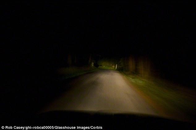 Carros poderão vir com visão noturna ao invés de faróis