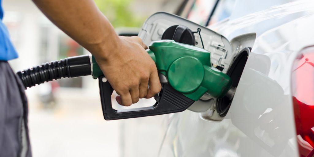 Preço da gasolina sofrerá reajuste a partir de dezembro
