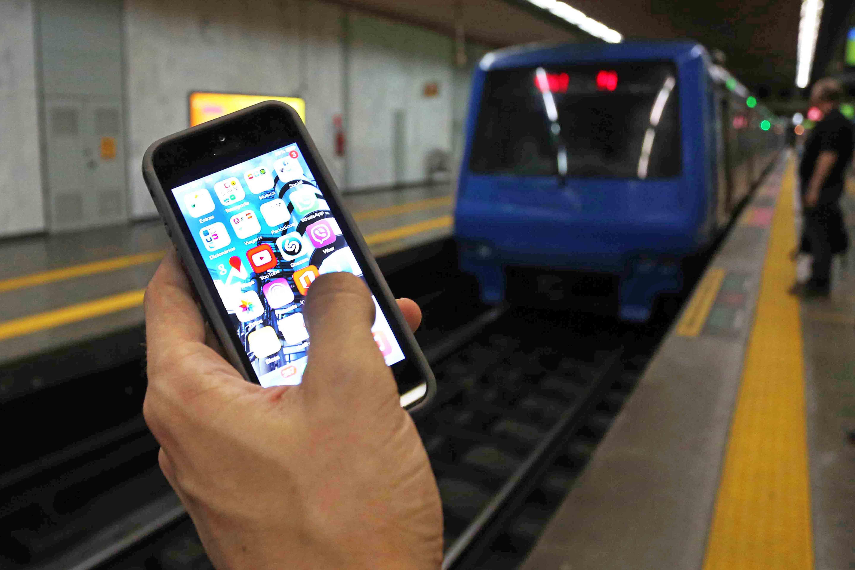 Comissão aprova internet grátis obrigatória em rodoviárias, portos e aeroportos