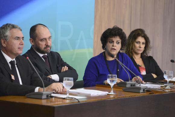 União, Minas Gerais e Espírito Santo vão processar Samarco e Vale em R$ 20 bi