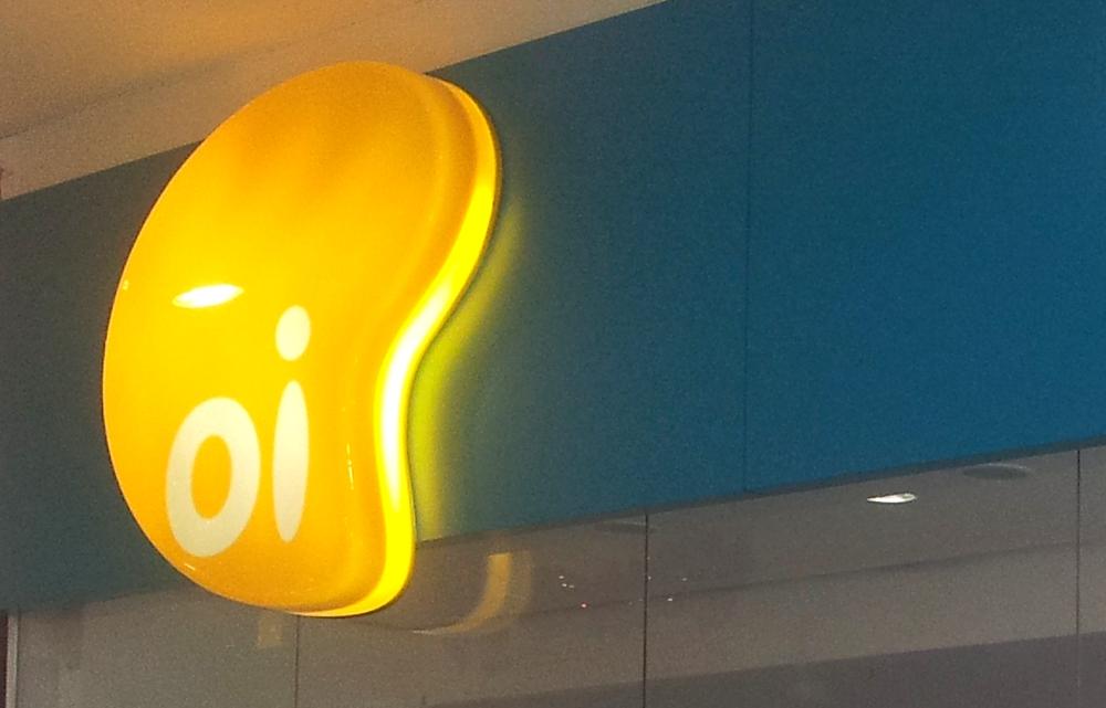 Oi lança planos com tarifas iguais para celulares da concorrência