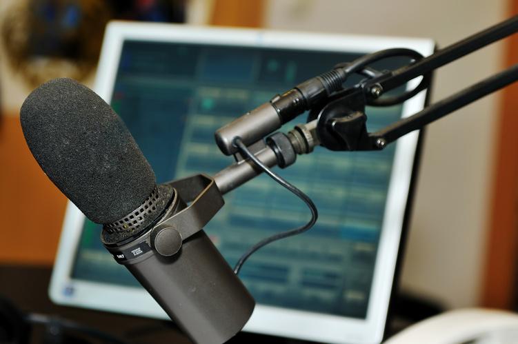 Deputados querem punir rádios que não pagam direitos autorais