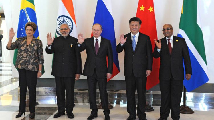 Brasil irá conceder bolsas de estudo para universidade dos BRICs, diz Mercadante