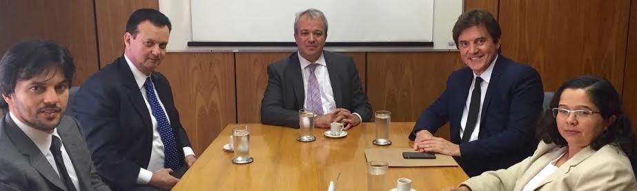 Governador entrega a ministro projeto da ponte Natal-Macaíba