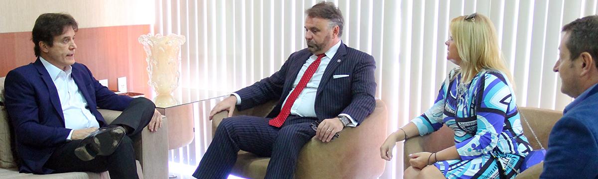 Governador discute investimentos no RN com embaixador da Polônia
