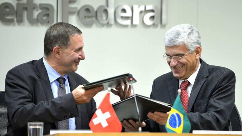 Brasil e Suíça assinam acordo para troca de informações tributárias