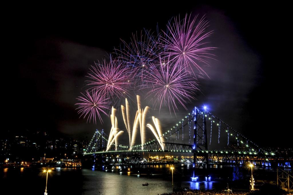 Em Florianópolis terá 22 minutos de fogos no Réveillon e atrações locais