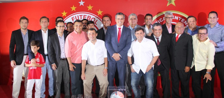 Beto Santos apresenta diretoria administrativa para o biênio 2016/2017