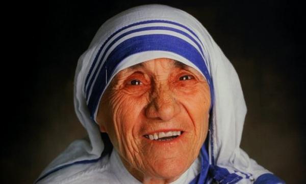 Madre Teresa será canonizada por milagre em brasileiro