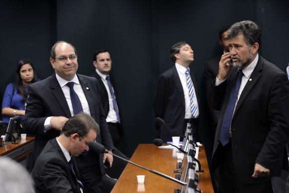 PT decide votar contra Eduardo Cunha no Conselho de Ética