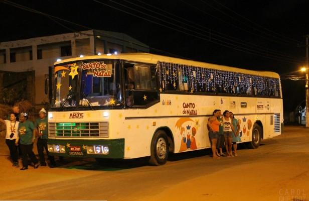 Ônibus Encantado leva música natalina a sete bairros da capital potiguar