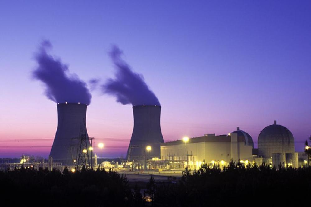 Apostar em energia nuclear pode salvar o planeta, diz climatologista