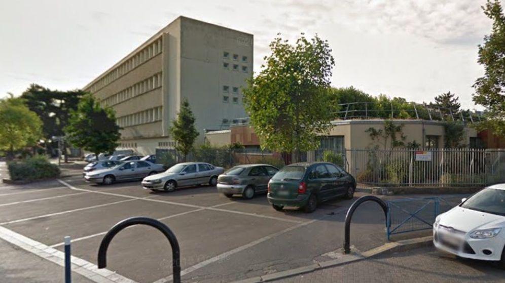 Na França, seguidor do Estado Islâmico esfaqueia professor
