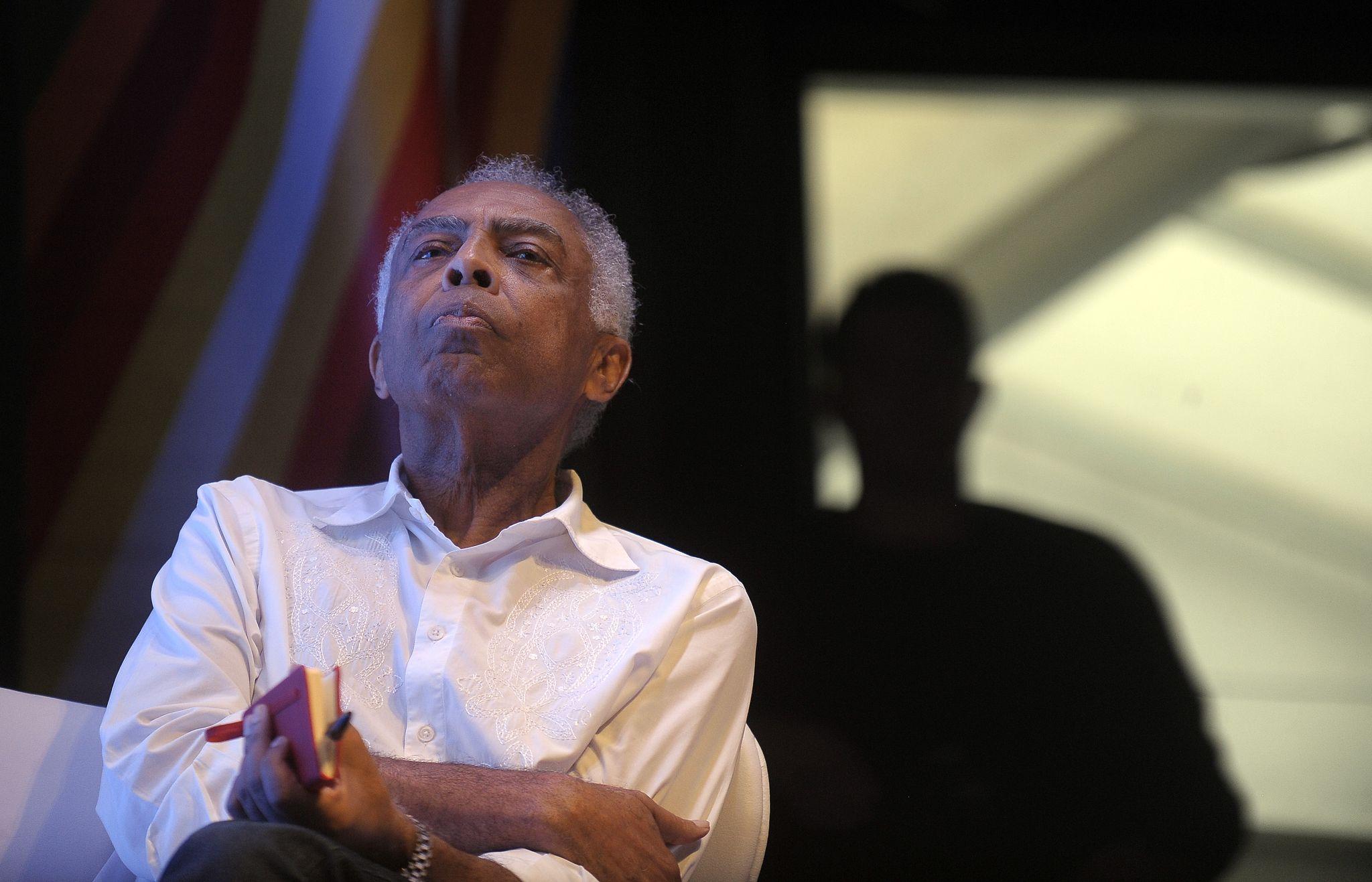 """Para Gilberto Gil, processo de impeachment é """"delírio político"""""""