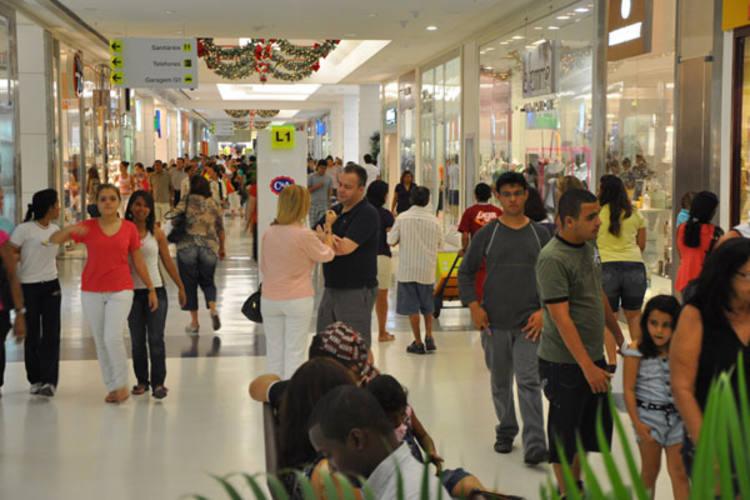Crise: lojas dos shoppings em Natal podem fechar aos domingos e feriados