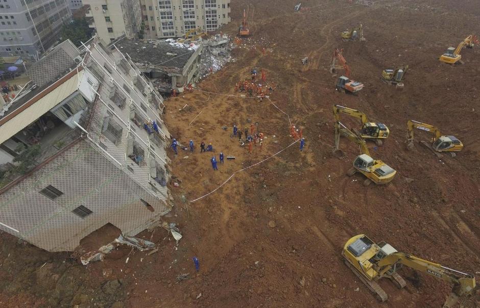 Sobrevivente é achado 3 dias após deslizamento na China