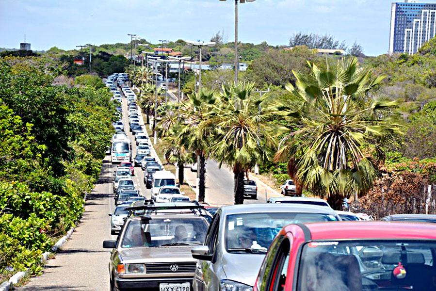 Detran/RN vai reordenar o trânsito na Praia de Pirangi