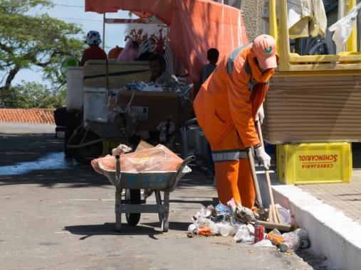 Urbana antecipa horário da coleta de lixo nos dias 24 e 31 de dezembro