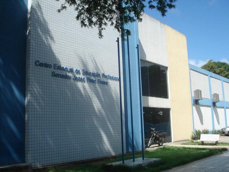 Cenep abre matrículas para turmas de cursos técnicos de nível médio