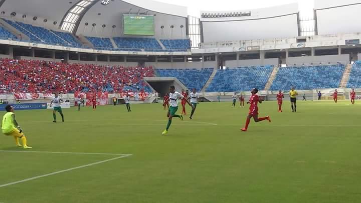 No clássico da rodada, América goleia o Alecrim na Arena das Dunas