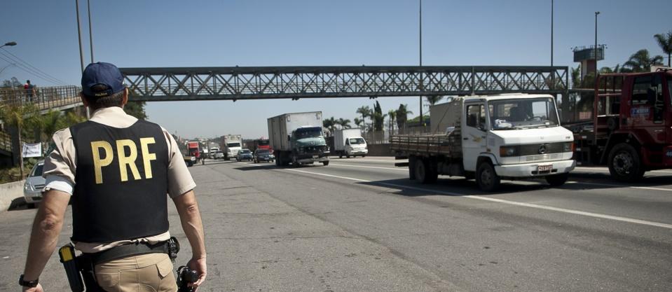Número de mortos em rodovias federais sobe 14,8%