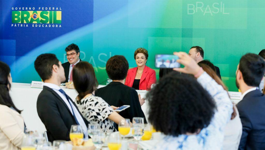 Aprovar a CPMF é questão de saúde pública, diz Dilma