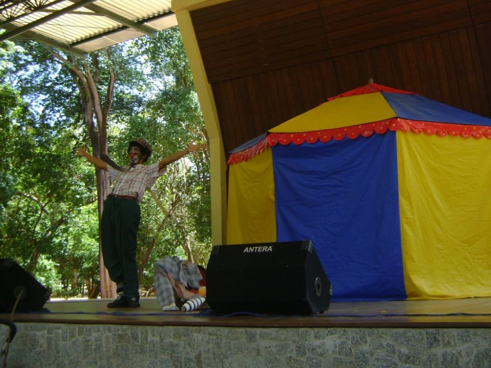 Tropa Trupe resgata o teatro infantil no Domingo na Arena