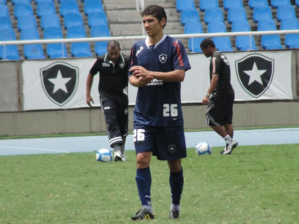 ABC anuncia Lúcio Flávio como o novo camisa 10 para a temporada