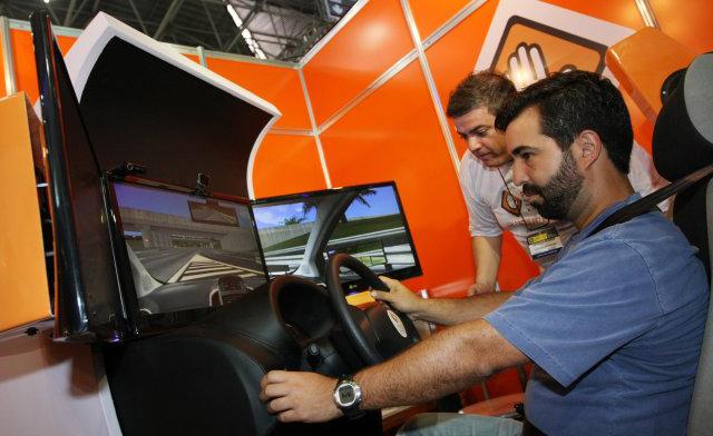 Aulas em simulador de direção nas autoescolas passam a ser obrigatórias