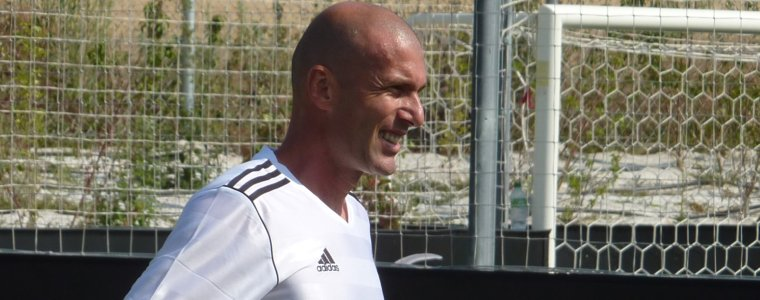 Real Madrid anuncia Zidane como novo técnico