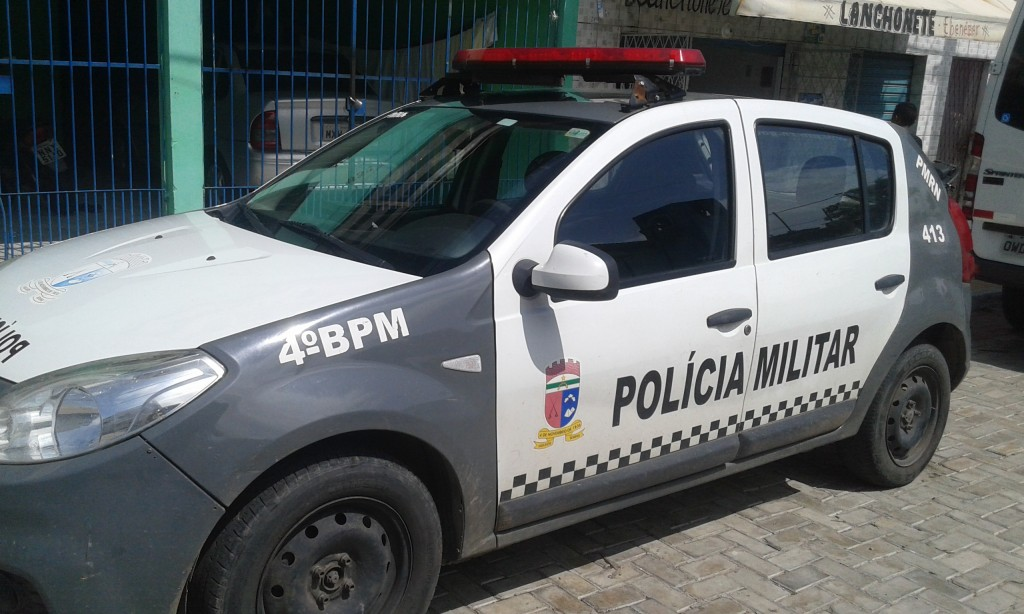 4º BPM recupera motocicleta roubada e apreende drogas na zona Norte