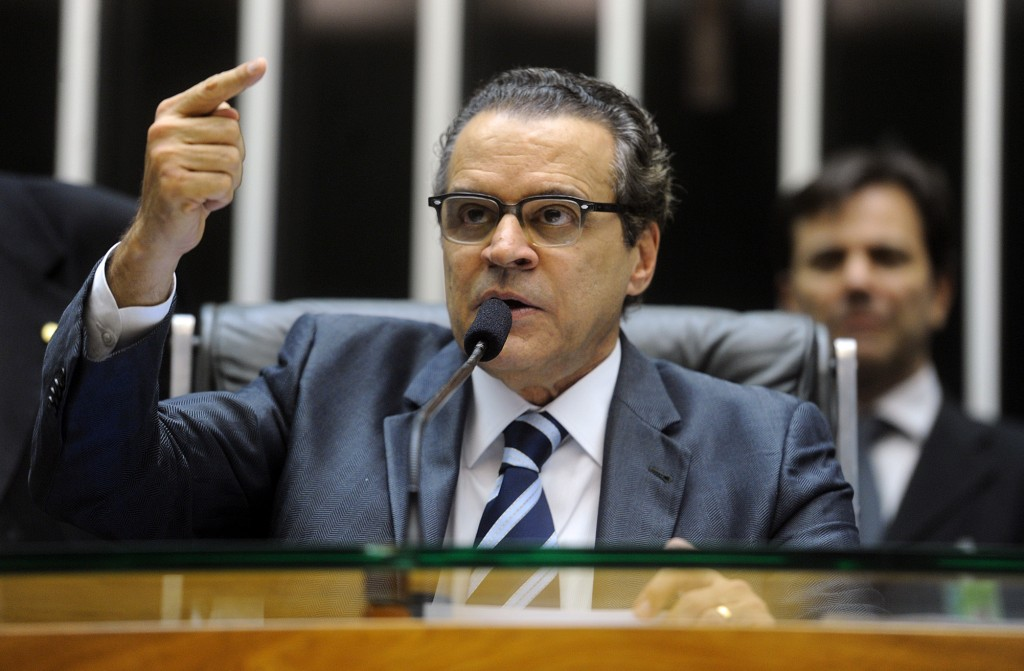 Polícia Federal prende Henrique Alves por corrupção e lavagem de dinheiro