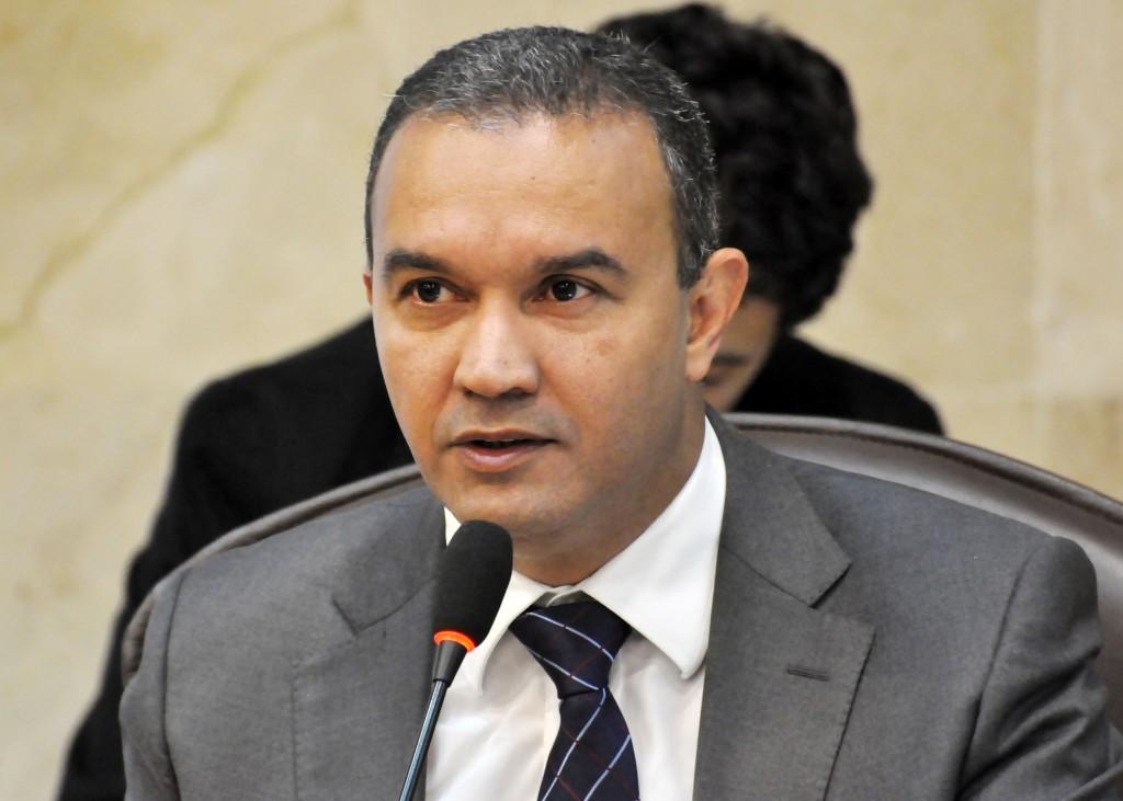 Kelps Lima defende discussão sobre previdência estadual
