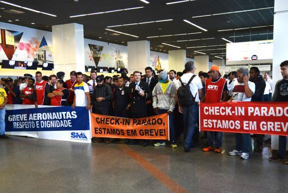 Paralisação de aeroviários atrasa voos nos principais aeroportos do país