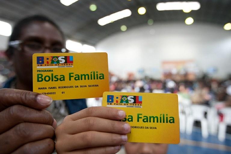 Decreto que autoriza reajuste no Bolsa Família é publicado