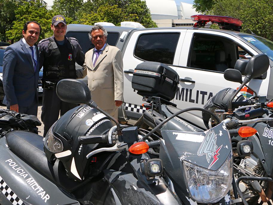 Governo do RN entrega veículos para ampliar policiamento em São José de Mipibu