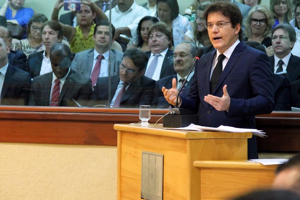 Robinson Faria anuncia redução na folha de pagamento e investimentos para 2016