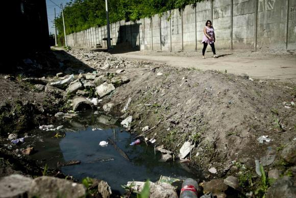 Menos de 60% dos brasileiros são atendidos por rede de esgoto