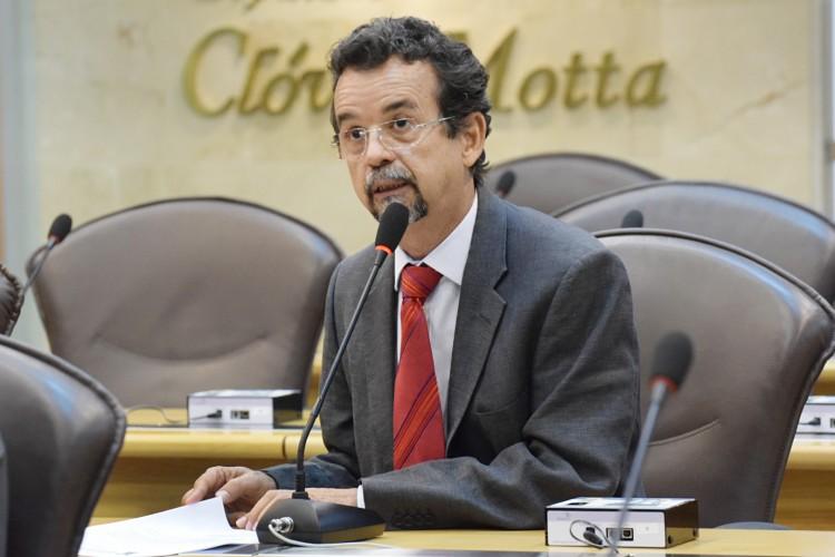 Mineiro diz que é preciso união dos Poderes para enfrentar a crise fiscal do RN