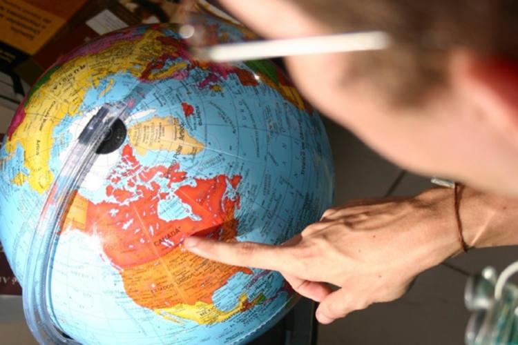 Deputado apresenta projeto que cria intercâmbio internacional para rede pública