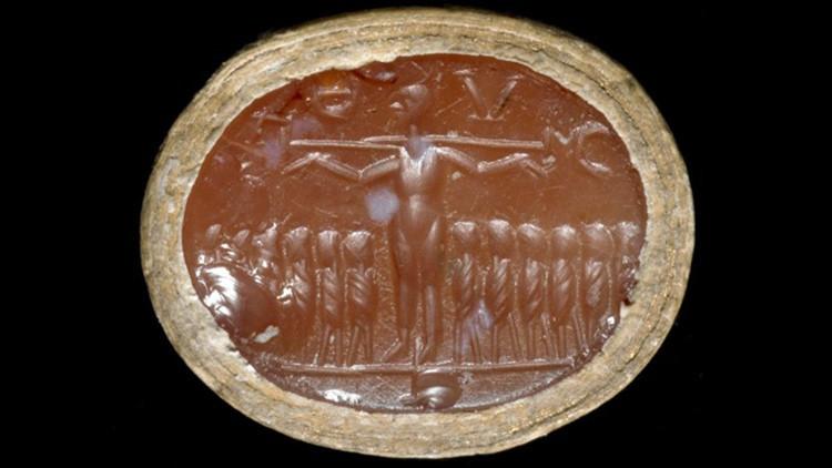 Professora questiona veracidade da crucificação de Jesus