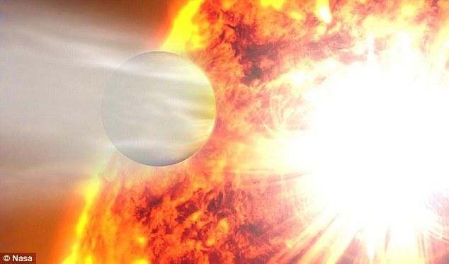 """Astrônomos descobrem """"planeta estranho"""" que se comporta como um cometa"""