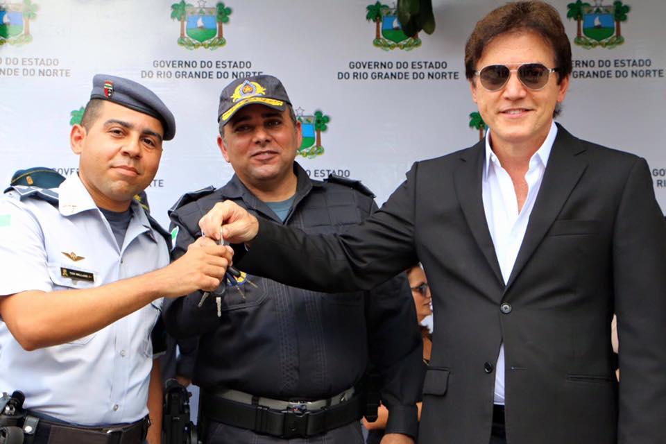 Governador participou da entrega dos equipamentos (Foto: Divulgação)