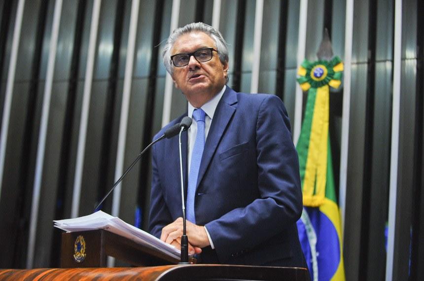 Lula e PT saquearam o Brasil, diz Ronaldo Caiado
